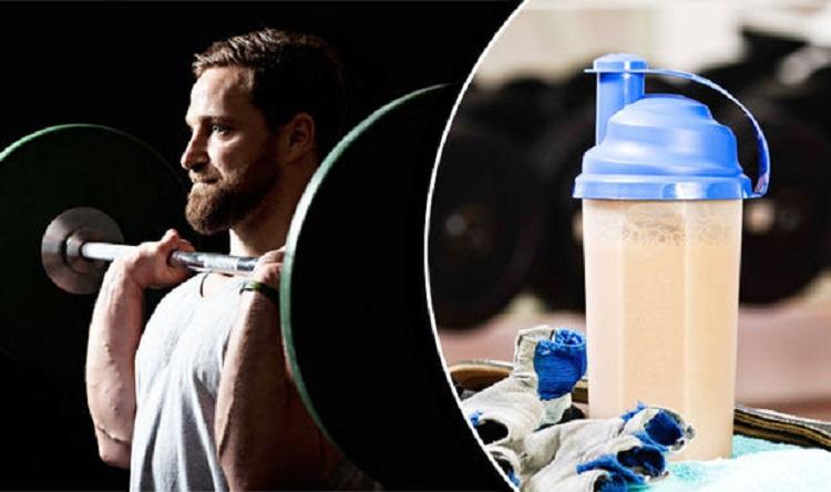 Asociación entre proteína del suero, masa grasa regional y fuerza en hombres entrenados en fuerza: Un estudio transversal